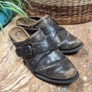 Yellow Box | Western Distressed Mules Brown